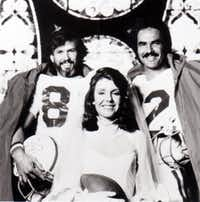 A promotional photo for the 1977 movie adaptation of Dan Jenkins' novel <i>Semi-Tough</i> includes stars Kris Kristofferson (left), Jill Clayburgh and Burt Reynolds.(United Artists)