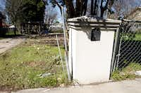 Only the mailbox and a carport remained March 13, 2019, at an empty lot where the Lemus family home used to stand at 3527 Durango Drive in Dallas.(Brian Elledge/Staff Photographer)
