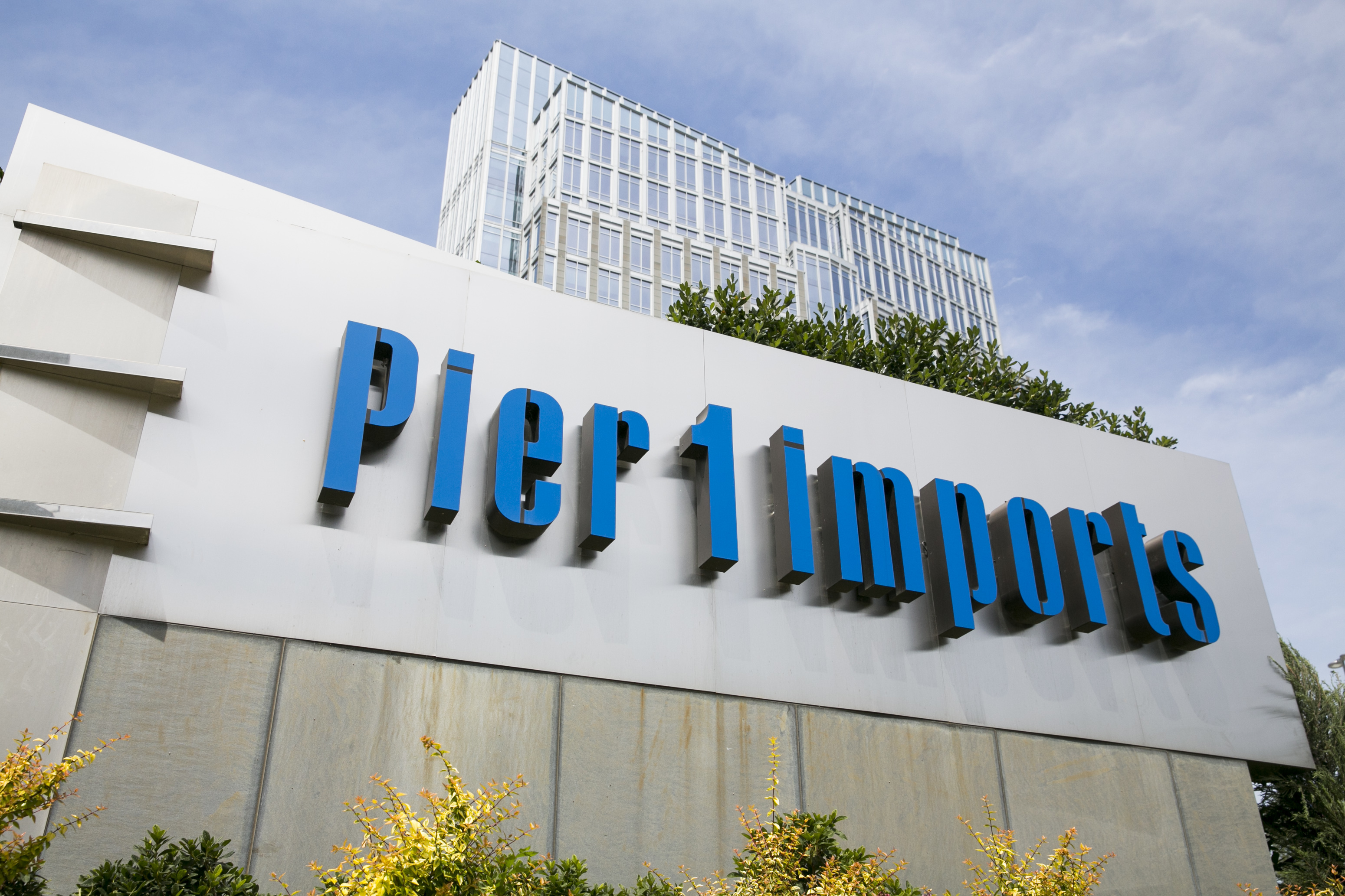 Pier 1 Imports Reorganizes Fort Worth Hq Staff With Sense Of Urgency Retail Dallas News