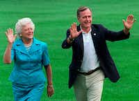 The book says that in Barbara Bush's final days, former President George H.W. Bush gave her permission to die, and she gave her 93-year-old husband permission to go on living.(1992 File Photo/The Associated Press)