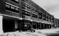 A 1920s photo of Sears' Lamar Street warehouse shows the railroad tunnel through the building that would be converted into a retail arcade. (File Photo/The Dallas Morning News)