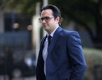Dr. Michael Rimlawi walked into the Earle Cabell Federal Building in downtown Dallas on Tuesday, April 2, 2019. Rimlawi is one of several doctors accused of receiving bribes and kickbacks from Forest Park Medical Center.(Rose Baca/Staff Photographer)