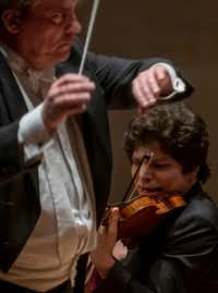 Violin soloist Augustin Hadelich performs with the Dallas Symphony Orchestra under guest conductor John Storgards.(Robert W. Hart/Special Contributor)