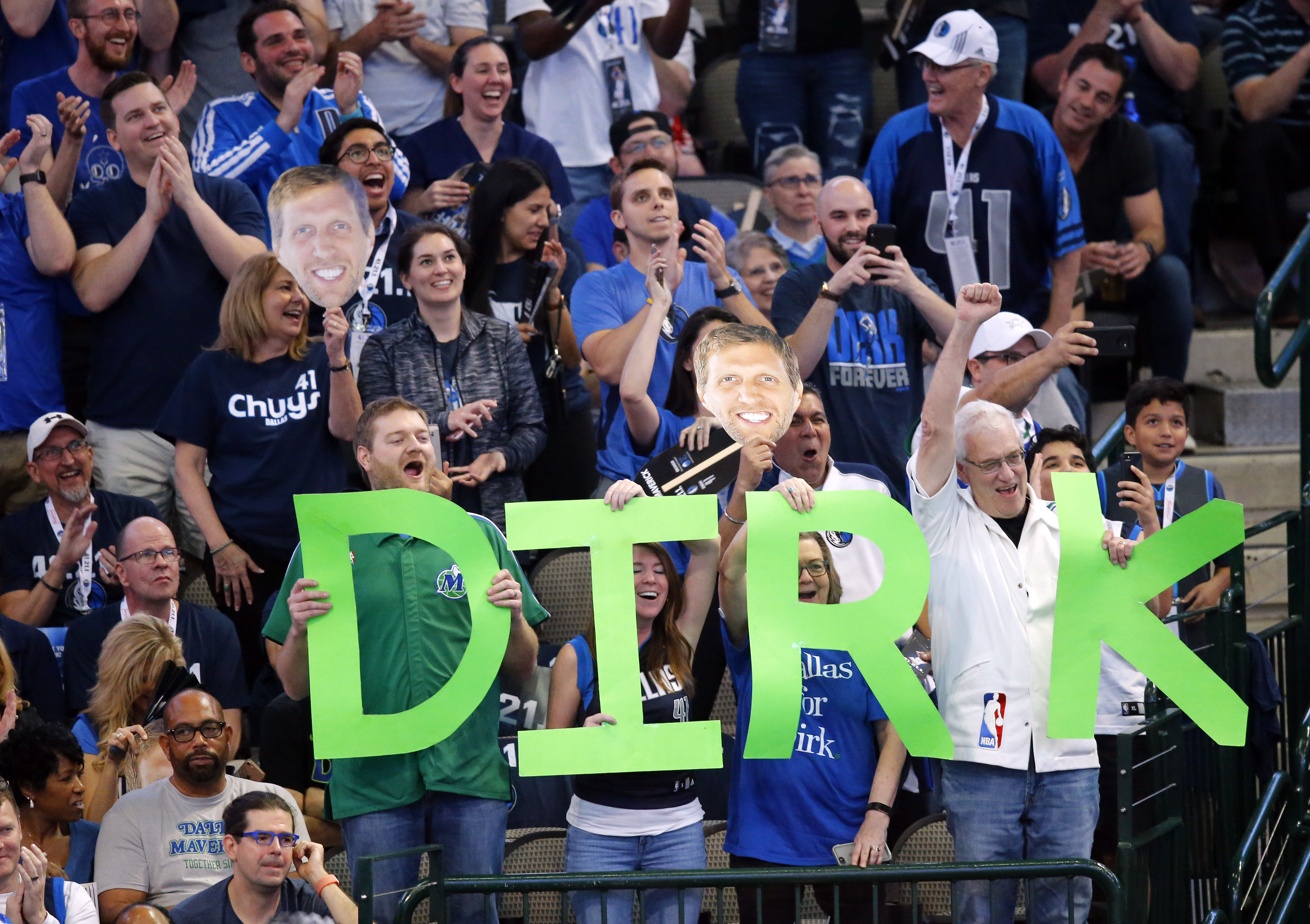 85191a3c0d2  There s only one   Fans say goodbye to Dirk after 21 seasons with Dallas  Mavericks