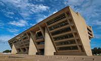 Dallas City Hall(2017 File Photo/Jae S. Lee)