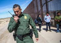 U.S. Border Patrol agents take into custody a group of Central American asylum seekers who crossed into the United States from Mexico on Thursday, April 4, 2019 in El Paso.(Ryan Michalesko/Staff Photographer)