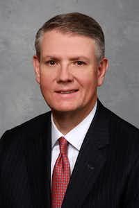 Curtis C. Farmer(Comerica Inc.)
