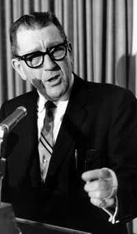 Former Dallas Mayor Earle Cabell in 1962.(The Dallas Morning News)