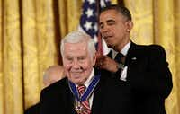 Former Senator Richard Lugar (R-IN) has died due to complications from a neurological disorder. He was 87 years old.(Win McNamee/Getty Images)