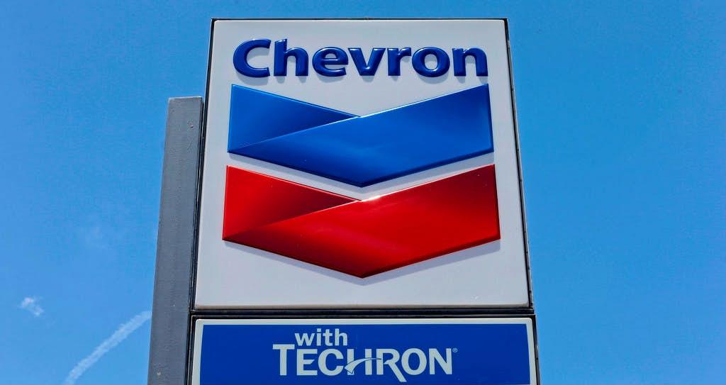 Chevron walks away from Anadarko fight with $1 billion and