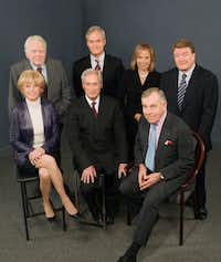 A 2006 photograph of <i>60 Minutes</i> correspondents and Andy Rooney together for the prime-time news magazine's 39th season. Standing, from left, are Andy Rooney, Scott Pelley, Katie Couric and Steve Kroft. Seated, are Lesley Stahl, Bob Simon and Morley Safer.&nbsp;(John P. Filo/AP)