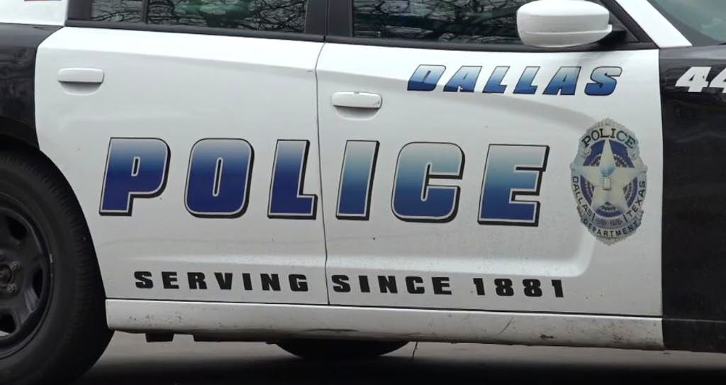 Dallas police arrest man accused of stealing vehicle with 3