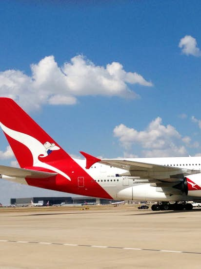 American Airlines gains tentative OK to launch flights down under