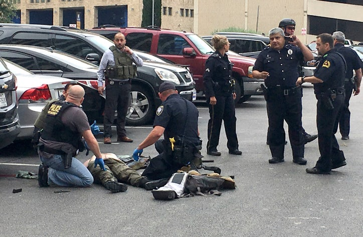 Gunman shot dead after opening fire on federal courthouse in