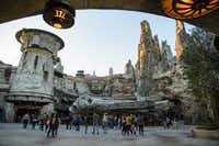 The Star Wars: Galaxy's Edge expansion lets Disneyland parkgoers visit the Millennium Falcon and other spots from the <i>Star Wars</i> movie universe.(Todd Wawrychuk/Disney Parks)