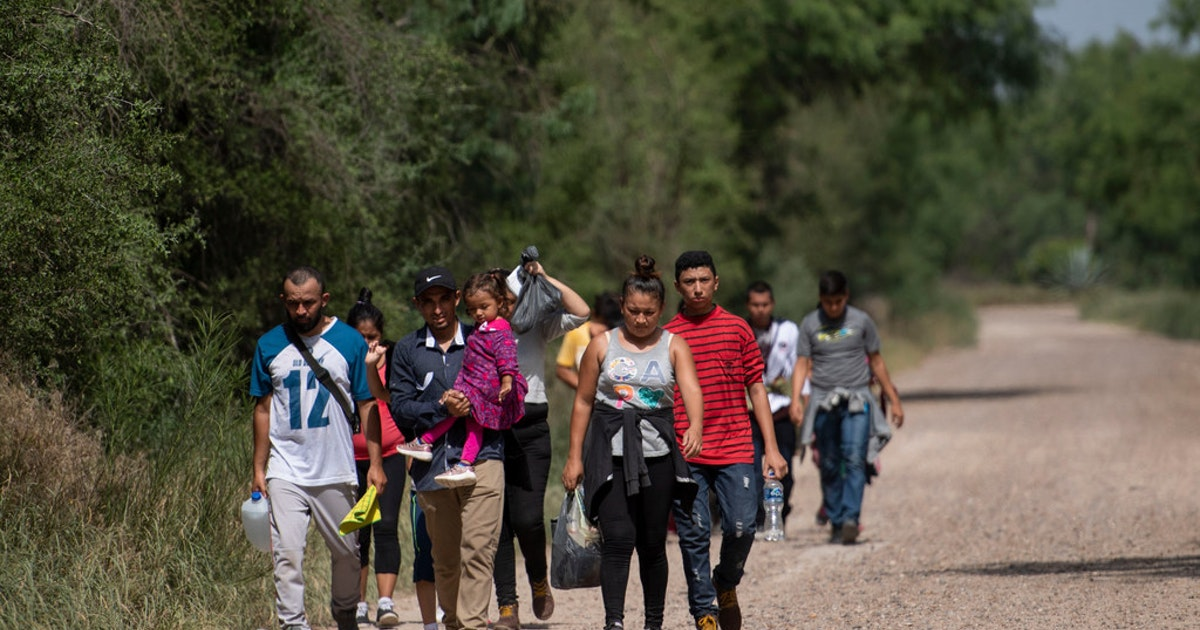 Texas to send 1,000 National Guard troops to border to deal with 'escalating crisis'...