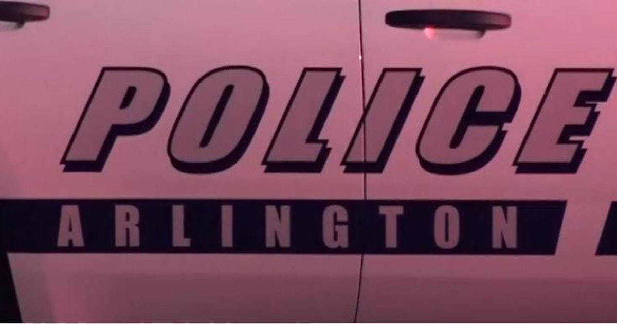 Motorcyclist killed in collision with pickup in Arlington