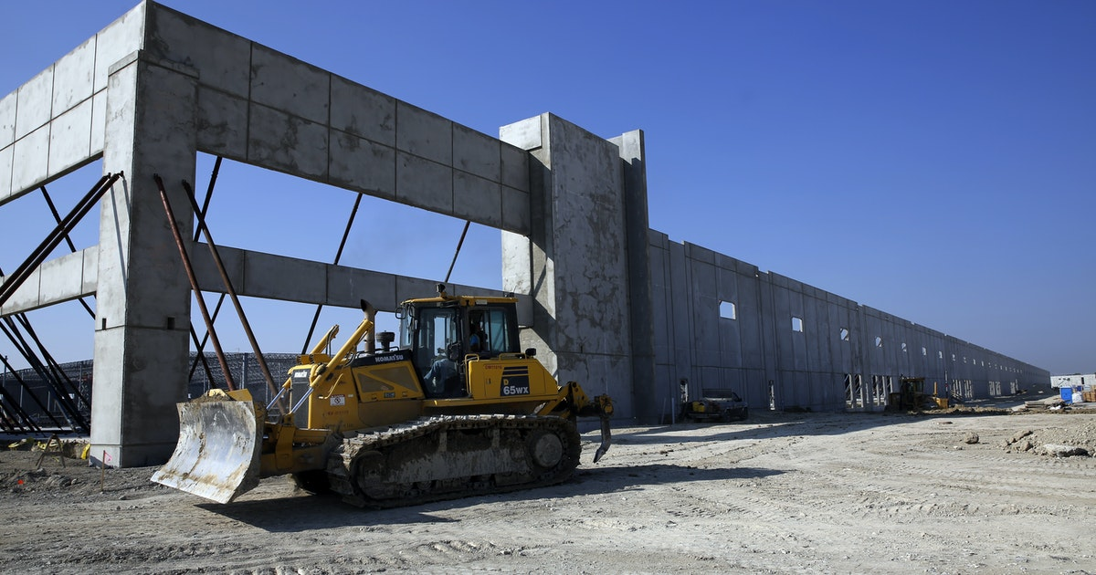 D-FW warehouse construction tops all-time record...