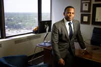 <p>Dallas lawyer David Henderson, a former prosecutor now with the Ellwanger Law firm, says Dallas County authorities should have asked a grand jury to investigate DeSoto City Council member Candice Quarles.&nbsp;</p>(Shaban Athuman/Staff Photographer)