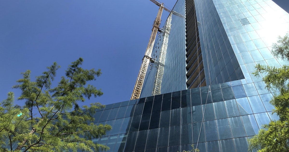 Downtown Dallas' tallest skyscraper construction project hits a high point on the skyline...