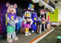 Animatronic characters danced on a stage at Chuck E Cheese on Wednesday, April 8, 2015, in Irving.  (Ashley Landis/The Dallas Morning News)(Ashley Landis/Staff Photographer)