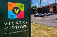 Traffic passes through the intersection where Park Lane, Ridgecrest Road and Fair Oaks Avenue all converge in Vickery Meadow.(Smiley N. Pool/Staff Photographer)