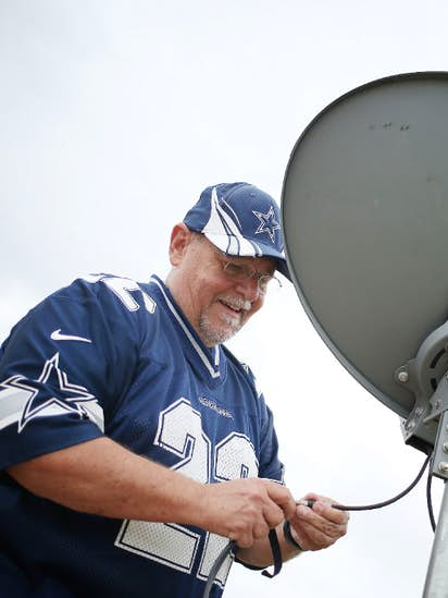 AT&T, CBS end 20-day blackout in time for NFL's start  But is losing