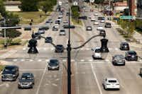Rush hour traffic along Belt Line Road in Carrollton.(Tom Fox/Staff Photographer)