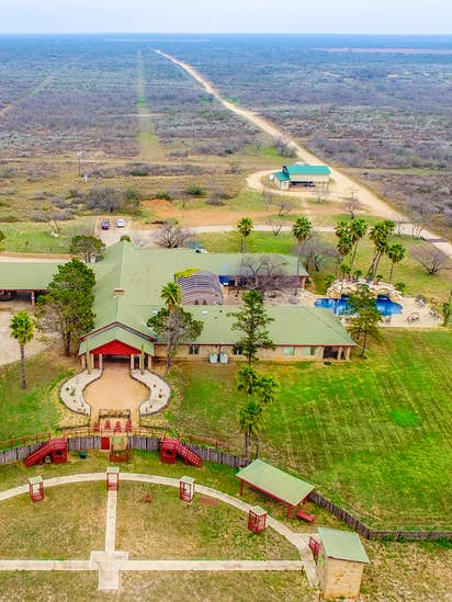 Sprawling South Texas hunting ranch with 18,000 acres changes hands