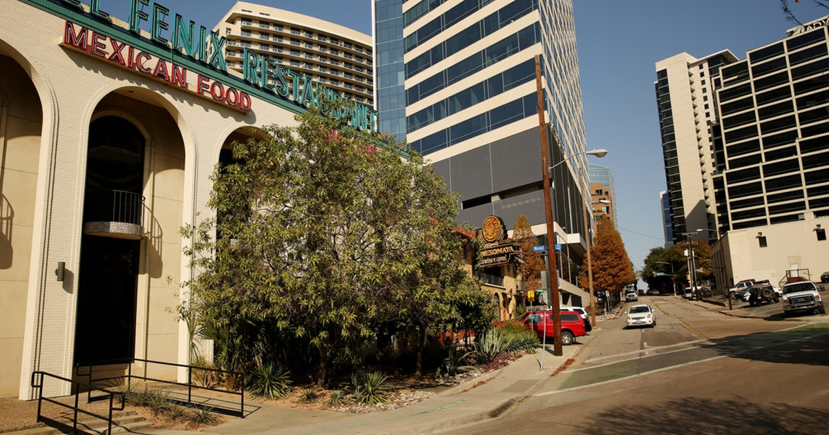Is the historic El Fenix restaurant in Dallas closing? Owner says it's safe, for now...