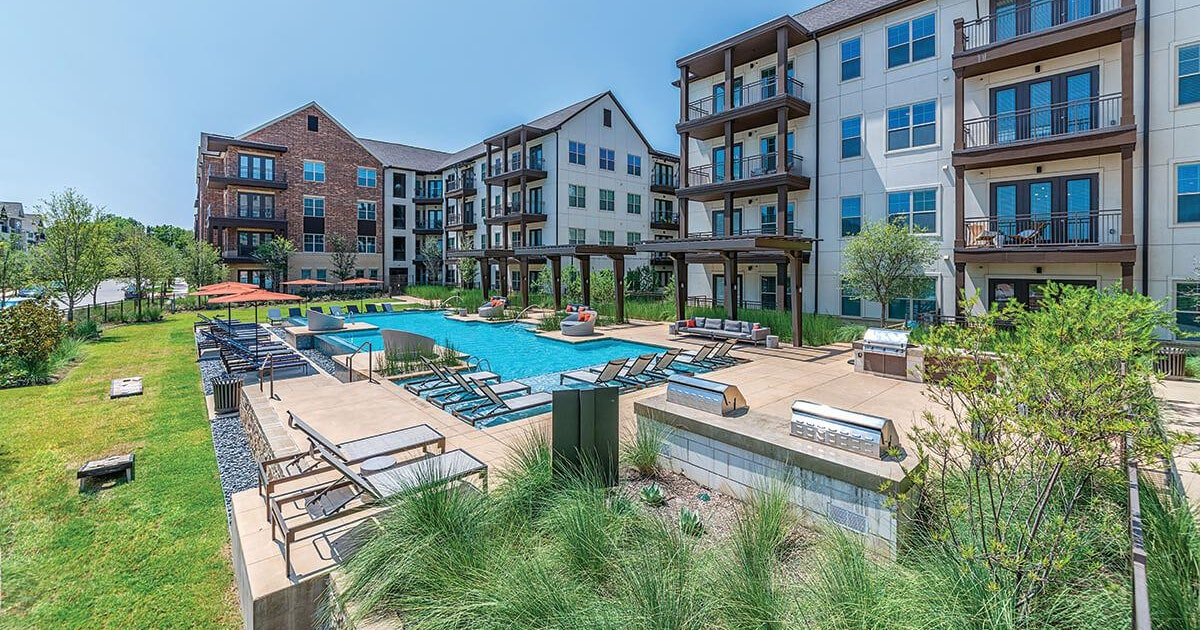 New York investor snaps up West Dallas apartment community...