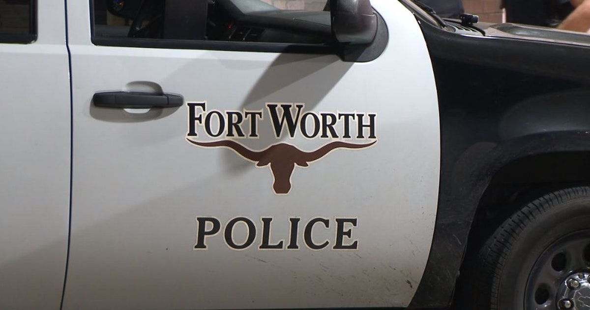 Suspects still at large after shooting that injured 2 in Fort Worth, police say...
