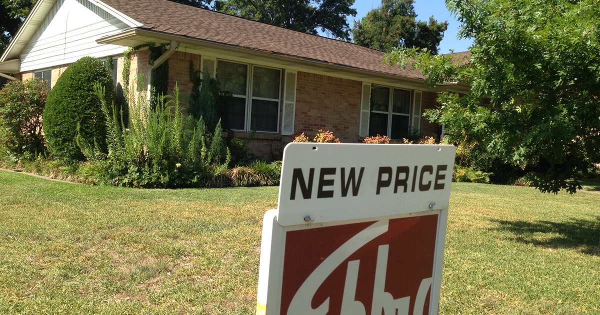 Dallas-area home prices inch higher but below national rate...