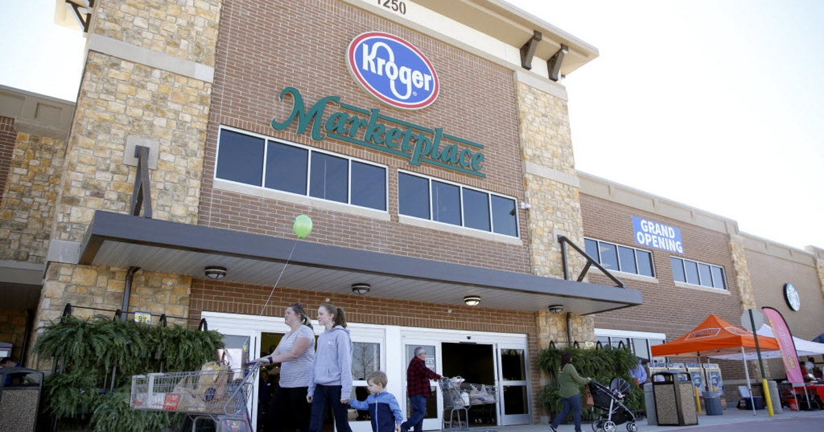 Kroger plans to build one of its Ocado robotics fulfillment centers in southern Dallas...