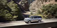 The 2013 Land Rover Range Rover HSE mostly retains its simple two-box styling: one box for the lively five-liter V-8 engine and the other for its passengers.