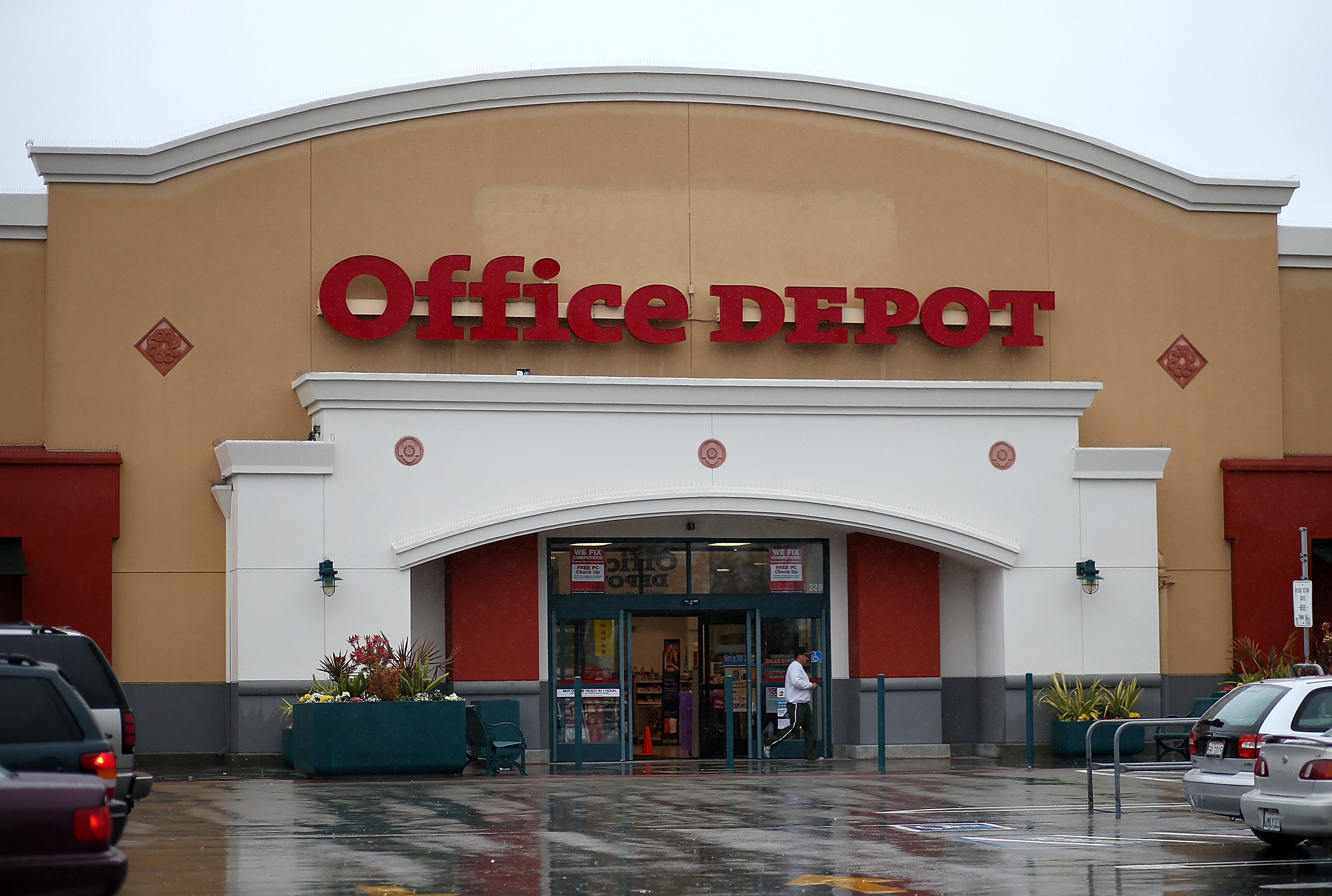 Bon Office Depot To Close At Least 400 Stores As Part Of Merger With OfficeMax  | Business | Dallas News