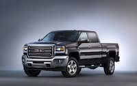 The 2015 GMC Sierra 2500 is designed to reduce wind noise and enhance powertrain cooling for more consistent performance.