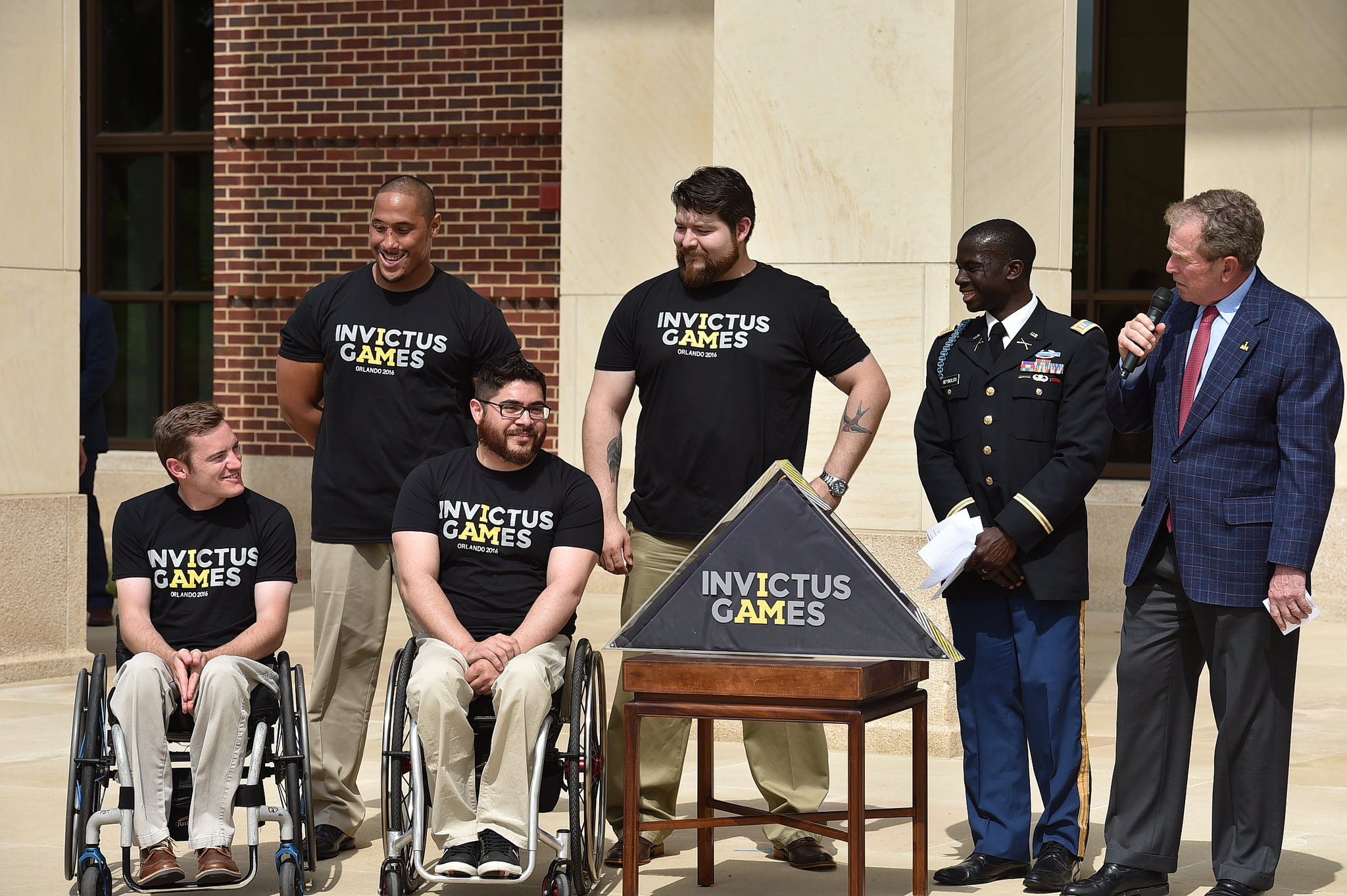 george w bush fired up for prince harry s invictus games for