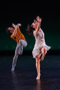 Bodytraffic's Guzmán Rosado and Tina Finkelman  Berkett perform in Richard Siegal's O2joy.(Karli Cadel - Karli Cadel)