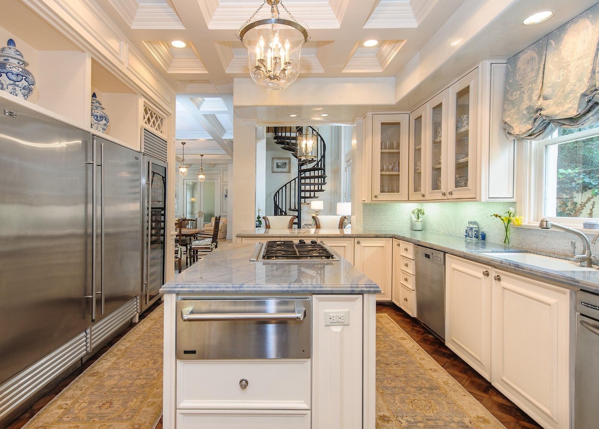 Fabulous Kitchens Top Farmhouse Fabulous Kitchen U New England Design Elements With Fabulous