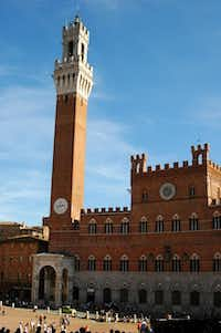 Strolling around the Piazza del Campo is a favorite pastime in Siena.( Katherine Rodeghier  -  Katherine Rodeghier )