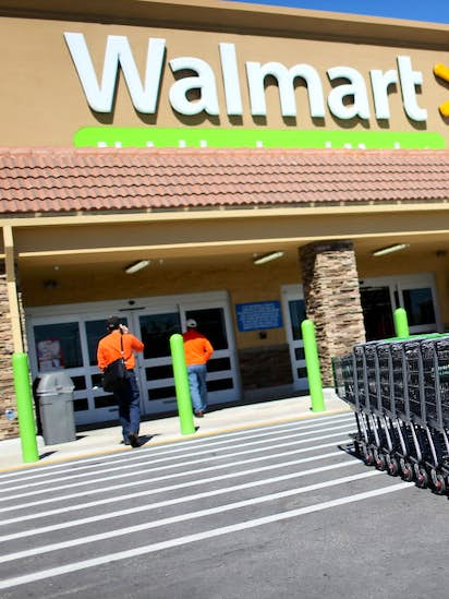 7003937f70c1b Do you make more than a Wal-Mart manager  Study looks at retail boss ...