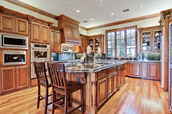 See the fabulous kitchens of 12 multimillion dollar dallas for 500 000 dollar homes in texas