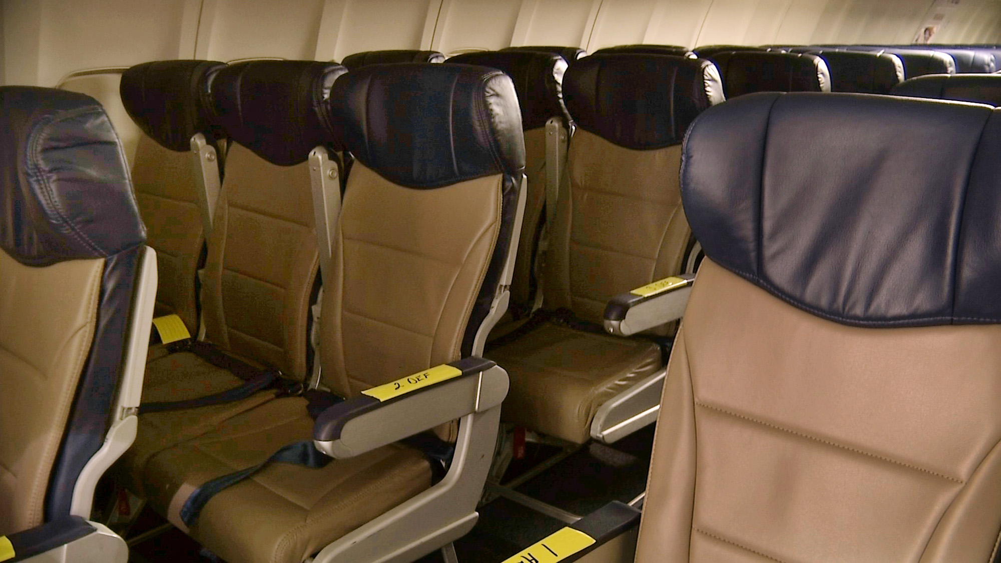 It\'s no longer safe to recline your airplane seat | Airlines ...
