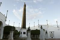 Plaza de Francia offers a chance to reflect on the prisoners and slaves held hostage in Las Bovedas, the dungeons used first by the Spaniards and later by the Colombians.