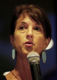 Mayor Laura Maczka