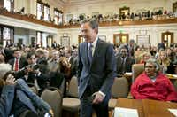 "Joe Straus, shown moments after his re-election as speaker of the Texas House in 2015. (<p><span style=""font-size: 1em; background-color: transparent;"">(Jay Janner/Austin American-Statesman)</span><br></p><p></p>)"