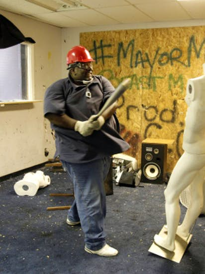 Dallas Anger Room Lets Clients Their Frustrations By Smashing Objects