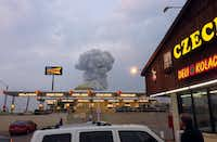 Explosion in West, Texas, seen from the Czech Stop parking lot(Andy Bartee)