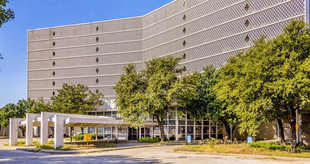Old Cabana Motor Hotel On Stemmons Spared For Now As Developer Drops Plans To Raze Dallas City Hall News